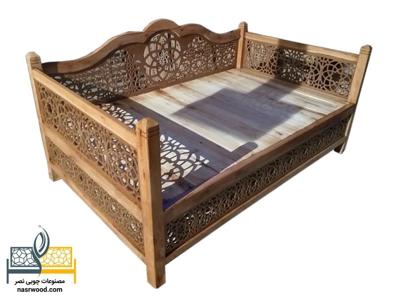 تخت سنتی nasr17ib سایز 2 در 1.20 عسلی
