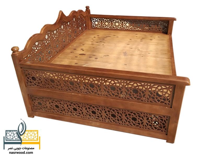 تخت سنتی nasr17a سایز 2 در 1.5 قهوه ای روشن