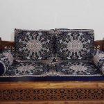 تشک نمدی و بالش آبی کاربنی تخت سنتی